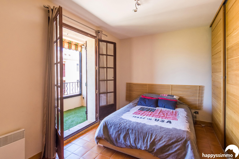 vente appartement t4 hy res 83400 76m2 avec garage et ascenseur. Black Bedroom Furniture Sets. Home Design Ideas