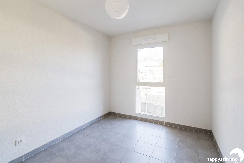 vente appartement t3 toulon 83100 60m2 avec garage. Black Bedroom Furniture Sets. Home Design Ideas