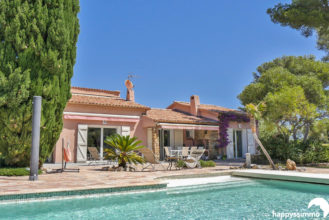 Achat maison villa avec jardin piscine Vue Mer à Vendre à Hyeres - Happyssimmo Hyeres - Agence Immobilière Hyeres Happyssimmo - Agence Immobilière 83 - Villa à Vendre Hyeres - Properties for sale in France - Apartment Finder Hyeres - Estimation immobilière Hyeres