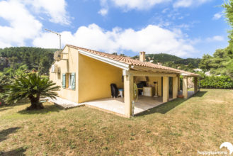 Achat Villa avec jardin à Vendre à Hyeres Costebelle - Happyssimmo Hyeres - Agence Immobilière Hyeres Happyssimmo - Agence Immobilière 83 - Appartement à Vendre Hyeres - Properties for sale in France - Apartment Finder Hyeres - Estimation immobilière Hyeres