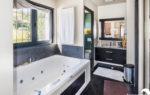 Villa à vendre Sainte-Maxime 83120 avec piscine - Agence Immobilière Sainte-Maxime 83120 - Estimation Immobilière Sainte-Maxime 83120 - Luxury Villa in Provence French Riviera for sale -