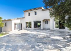 Vente maison villa à vendre avec jardin à Saint-Julien - Agence Immobilière à Saint-Julien Happyssimmo Haut-Var - Estimation Immobilière Saint-Julien Happyssimmo Haut-Var - Villa for sale in Provence - Happyssimmo Haut-Var