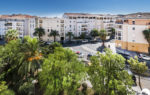 Achat Vente appartement avec balcon terrasse à Hyères - 83400 centre ville - Agence Immobilière Hyères 83400 Happyssimmo Hyeres -